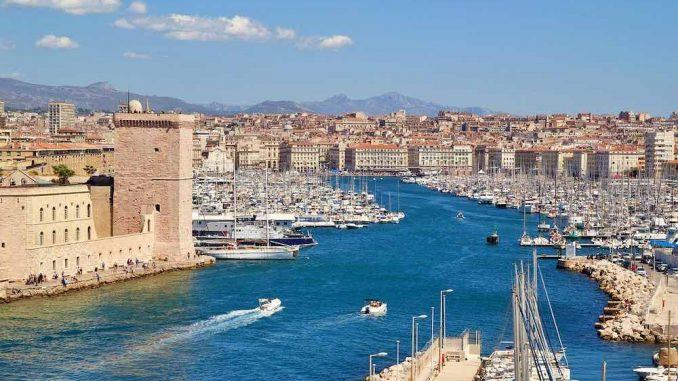 la ville de Marseille où j'ai domicilié mon entreprise